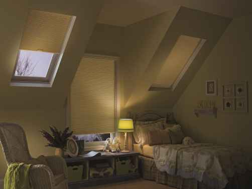 "CrystalPleat 3/8"" Single Cell Blackout Skytrack Skylight"