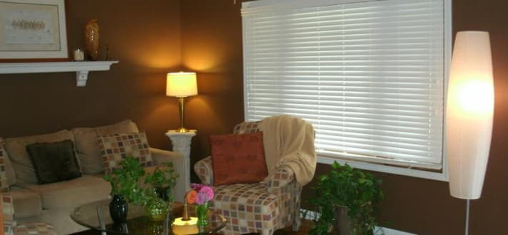 Real Customer Photos: Fauxwood Blinds for a Cozy Living Room - The ...