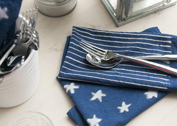 DIY-stars-and-stripes-napkins