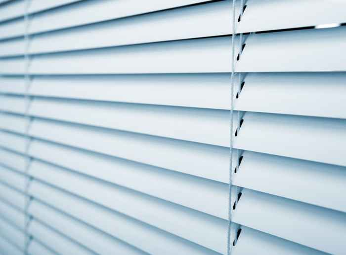 blinds don't close tightly