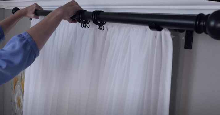how-to-install-curtain-rod-2