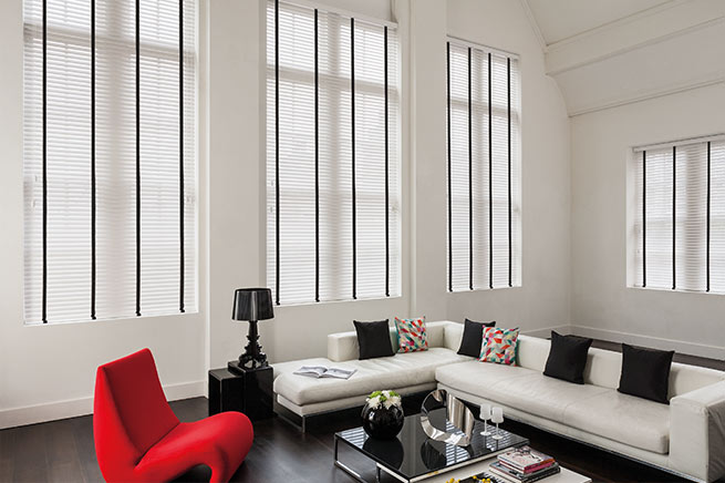 Dark Out XL Motorised roller blinds