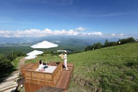 山梨「清里テラス」:從高處眺望風景、體驗工藝製作