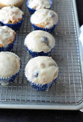 blueberry muffins dough
