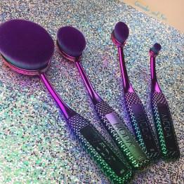 NEW!! MODA Prismatic Face Perfecting Brush Kit