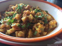 Gobhi Aloo Raseela, Gobhi Dhaba style, Aloo Gobhi, Cauliflower in Gravy, Aloo Gobhi Raseela