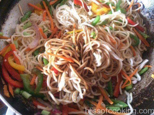 Stir Fried Noodles with Peppers