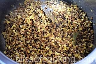 Ankurit Moth Ki Sabzi, Sprouted Legumes