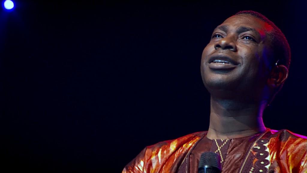 youssou-ndour-i-bring-what-i-love-14-04-2010-6-g