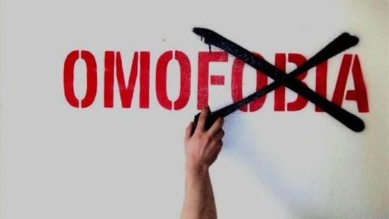 legge omotransfobia testo