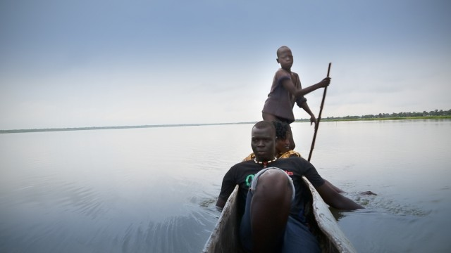 11_Agel Aweil auf BootPhoto: Martin Clement ©  Perfect Shot Films