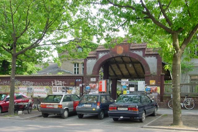 RAW_Berlin_Tor1