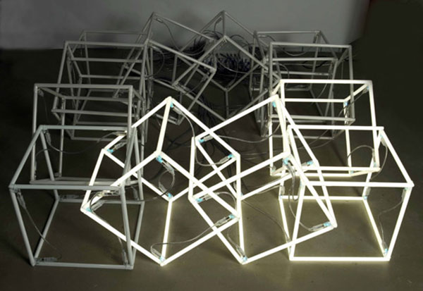 Moving Neon Cube – 2004 – Jeppe Hein
