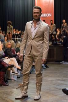 LLVIP Anzug - Model: Nico Schwanz - Foto: © Christian Habel