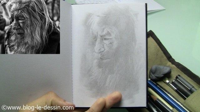 portrait vieil homme retouche au crayon