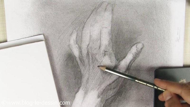 dessin montre relief bosse main et dos au graphite