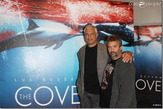 Louie Psihoyos et Luc Besson à l'avant-première de The Cove (La baie de la honte), le 21 septembre 2009. Source : www.purepeople.com. Photo : Abaca