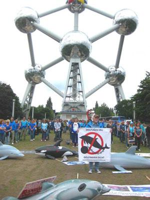 Manifestation le 28 juin 2014 à Bruxelles en présence de Ric O'Barry