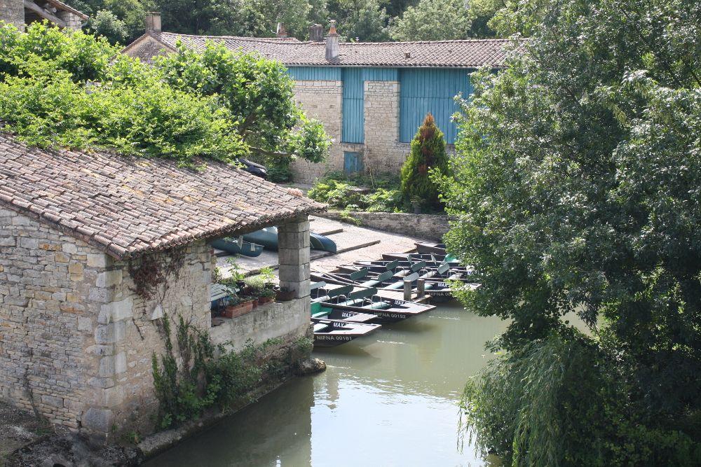 Embarcadres Pour Visiter Le Marais Poitevin Le Blog Du