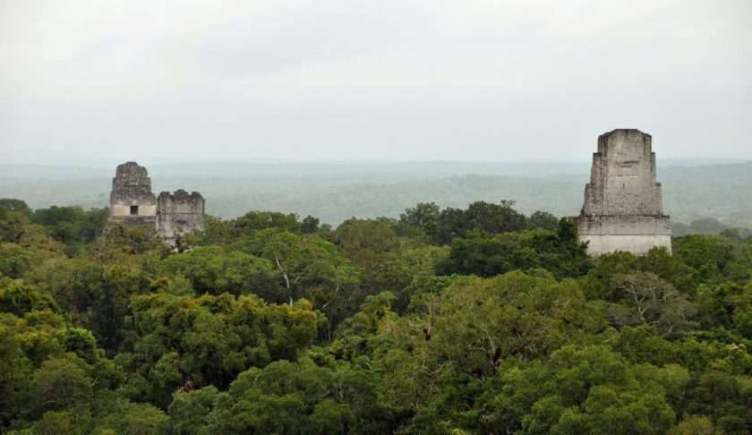 1280px-Tikal_temples_1_2_3_5_2009