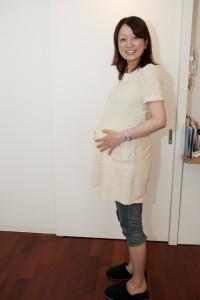 福岡 フォトスタジオ 赤ちゃんの写真 授乳シーン 結婚準備 マタニティ花嫁 0358 家族写真