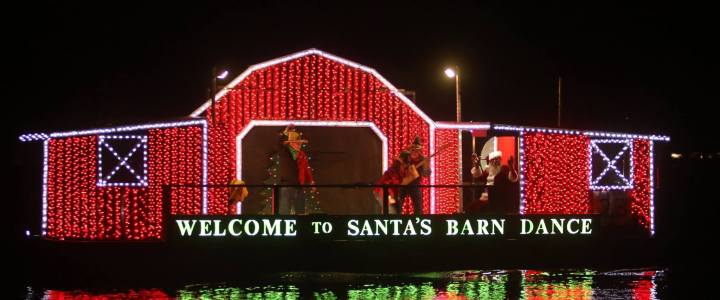Set Sail on Christmas Boat Parades in Florida
