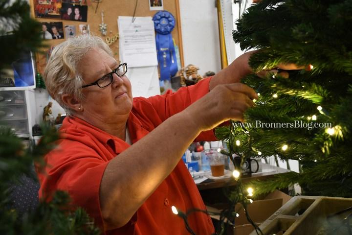 pro tree-decorating tip using Christmas lights
