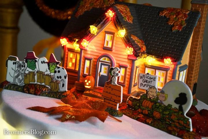 Department 56 Halloween Village Peanuts Trick or Treat Lane display
