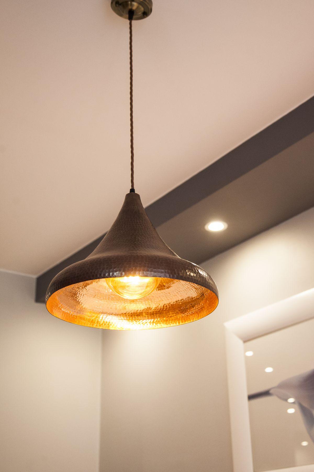 Vendita online di lampadari rustici per cucine, taverne e spazi esterni. Lampadari Rustici In Rame Da Cucina E Salon 02