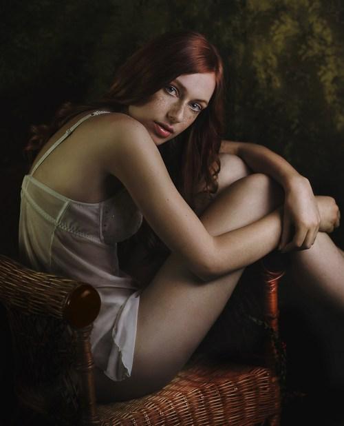 The Chair Lingerie Shooting Model: Nina Schneider (@ Together Models) Hair&Make-up: Sarah Dirsch Photography: Christine Polz