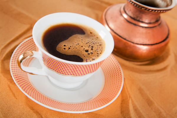 Kafa na prazan stomak – jako štetna navika