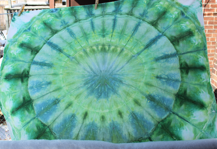 snow dyeing mandala green