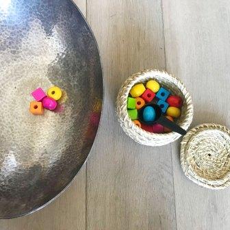 Pour faire du transvasement: Perles en Bois + cuillère de cafetière (salade en cuivre + mini panier kudos)