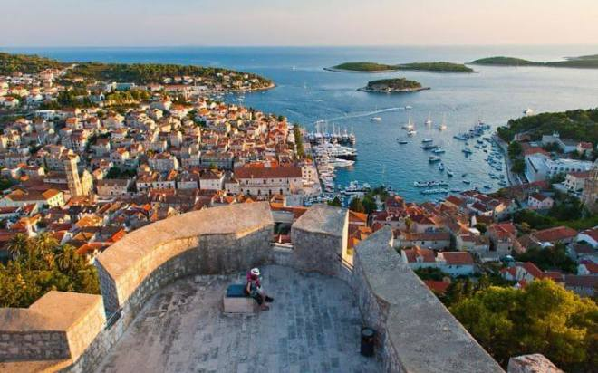 things to do on hvar, how to get to pakleni islands, cheap accommodation hvar