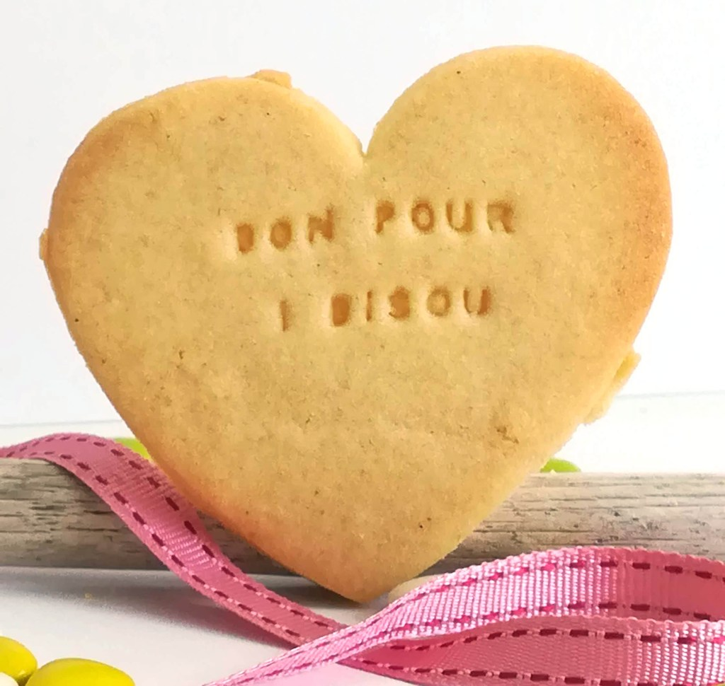 biscuit-coeur-personnalise-bisous