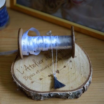 Collier perles argent pompon