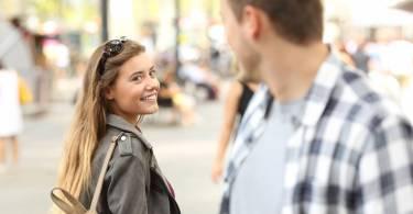 Séduction : peut on encore aborder une fille dans la rue
