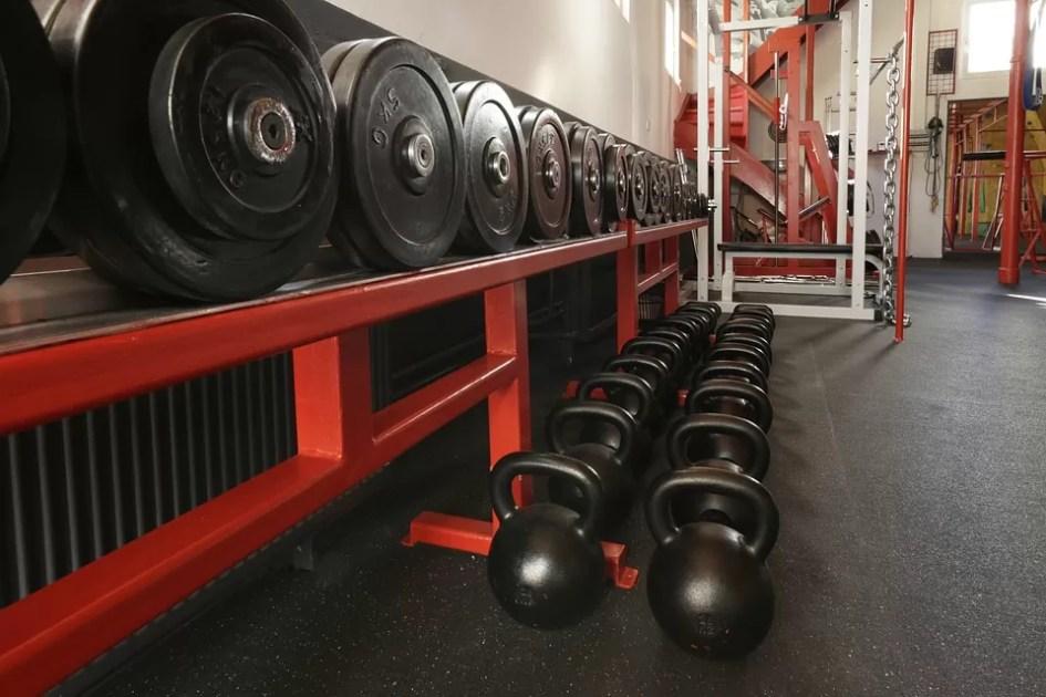 Comment aborder et faire des rencontres à la salle de sport ?