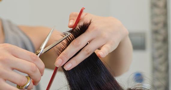Come utilizzare le forbici da sfoltitura per capelli?