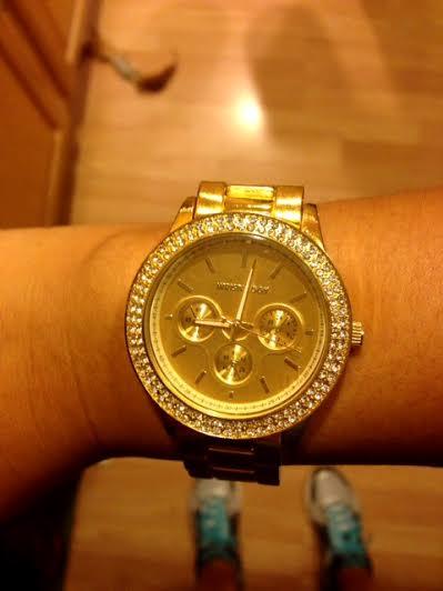 gold-timepiece
