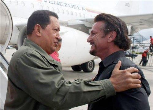 Hugo Chávez le da la bienvenida a Sean Penn