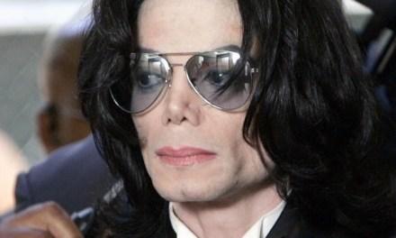 Michael Jackson y Farrah Fawcett han fallecido