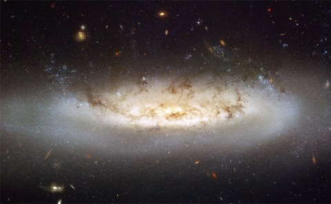 NGC 4522 (credit: NASA - ESA)