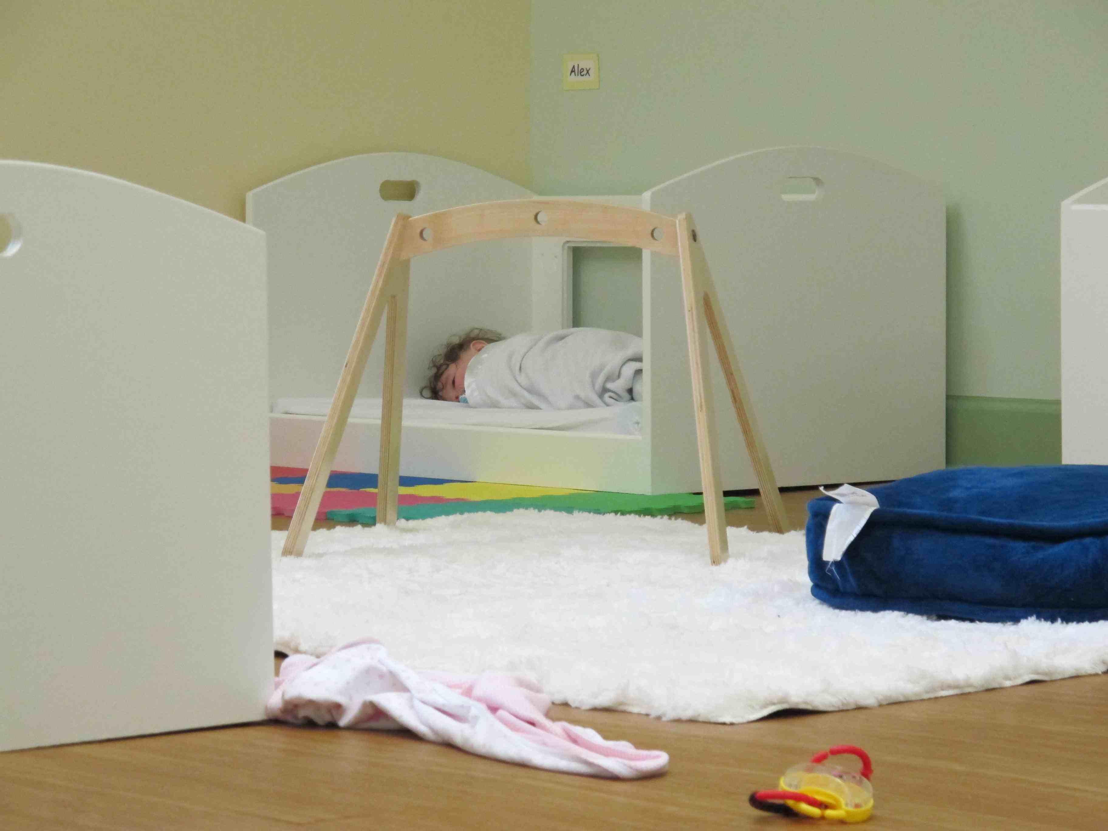 ordre blog b b montessori. Black Bedroom Furniture Sets. Home Design Ideas