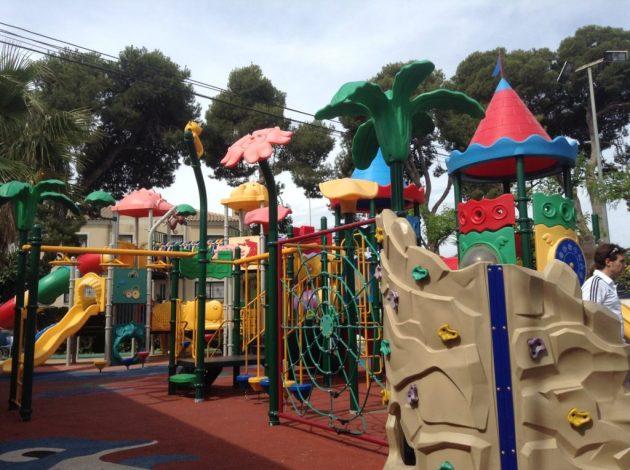 Parque infantil del Camping La Marina de Alicante