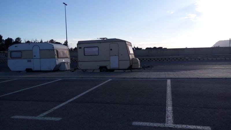 ¿Puedo aparcar la caravana en la calle?