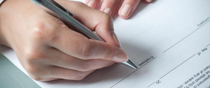 El contrato de compraventa de una caravana, carro tienda o remolque de segunda mano.