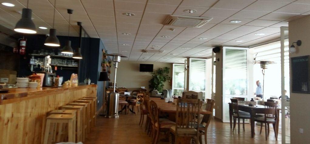 restaurante-el-trebol-camping-torres-bar
