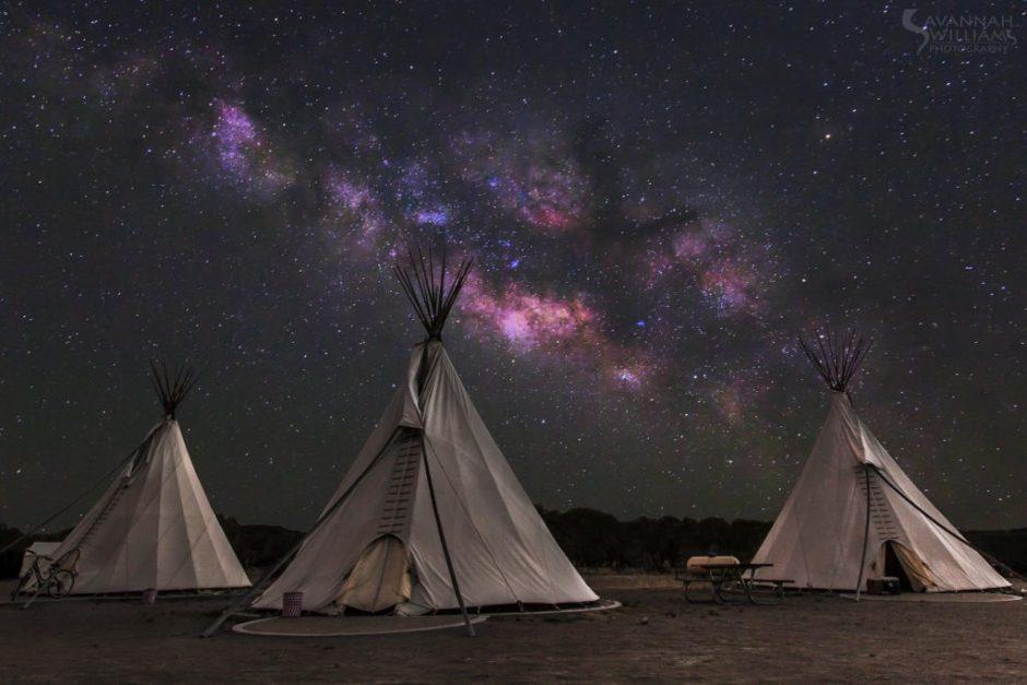 tipi-camping-noche-estrellada