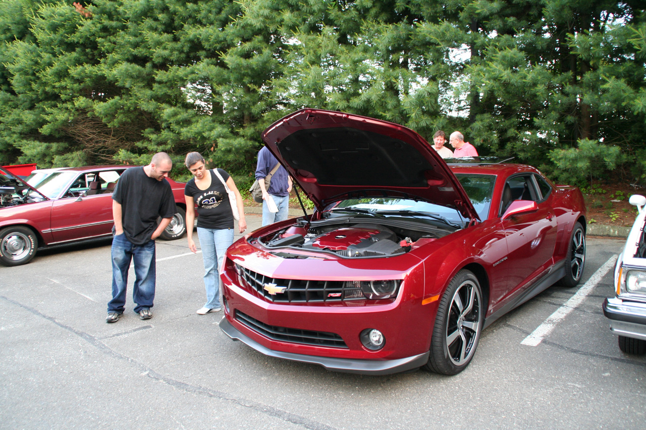 2010 Chevy Camaro Rs With Factory Accessories Photo Gallery Autoblog
